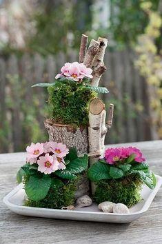 Spring decoration with primroses - . - Spring decoration with primroses – – You are in the right p - Deco Floral, Arte Floral, Diy Garden Decor, Diy Home Decor, Home Decoration, Fleurs Diy, Birch Branches, Primroses, Amazing Gardens