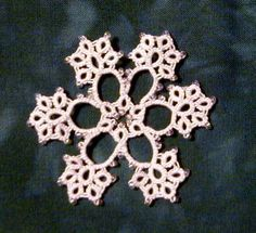 SCMR Flowers Snowflake - Designed and tatted by Emma Crew for the first snowflake round robin, June 2001. © Emma Crew, 2001