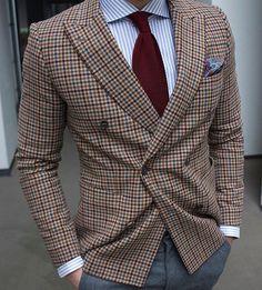 "| Patterns | - great shot by @isabelhayn ! - tie by @serafinesilk - shirt by @etonshirts - blazer by ""Baldessarini"""