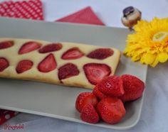 Sütőben sült epres palacsinta - 5 perc munkával | Konyhalál Waffles, Pancakes, Cakes And More, Muffin, Strawberry, Sweets, Fruit, Drink, Food