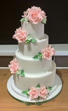 Buying Wedding Cakes: Tips And Helpful Advice – Wedding Tip Guide White Wedding Cakes, Elegant Wedding Cakes, Beautiful Wedding Cakes, Gorgeous Cakes, Wedding Cake Designs, Pretty Cakes, Amazing Cakes, Unique Cakes, Creative Cakes