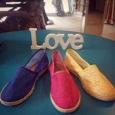 Bom Dia  Que seja um amor colorido. @loja_amei