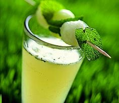 The Lawn Mower: ripe honeydew melon, vanilla vodka, cointreau, fresh lime juice, fresh mint, champagne or sparkling wine. Party Drinks, Fun Drinks, Yummy Drinks, Beverages, Fruity Drinks, Vodka Cocktails, Non Alcoholic Drinks, Summer Cocktails, Cocktail Drinks