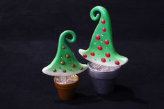 Polymer clay christmastree Christmas Tree, Christmas Ornaments, Decorative Bells, Polymer Clay, Holiday Decor, Home Decor, Fimo, Christmas Jewelry, Beads
