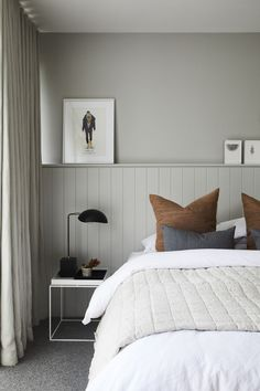 Classic Home Decor Darren Palmers tips for achieving the magazine look at home.Classic Home Decor Darren Palmers tips for achieving the magazine look at home Home Bedroom, Bedroom Decor, 70s Bedroom, Bedroom Interiors, Bedroom Signs, Decorating Bedrooms, House Interiors, Master Bedrooms, Bedroom Ideas