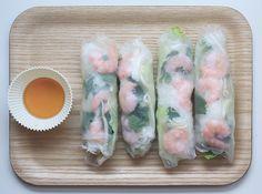 rouleauxdeprintemps  http://www.mangoandsalt.com/2013/01/11/rouleaux-de-printemps-aux-crevettes/