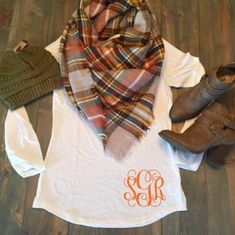 Monogram Shirt Monogram Tunic Monogrammed Long Sleeve Tunic Shirt Shirt Tail Hem Monogrammed Shirt Monogrammed Tunic - Fall Shirts - Ideas of Fall Shirts Fall Shirts for sales. Vinyl Monogram, Monogram Shirts, Vinyl Shirts, Monogram Clothing, Christmas Monogram Shirt, Funny Shirts, Long Sleeve Tunic, Long Sleeve Shirts, Fall Outfits
