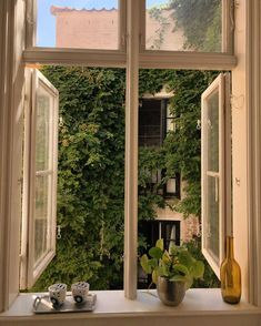 home decor and design Future House, My House, Window View, Dream Apartment, Aesthetic Rooms, Aesthetic Green, My New Room, Architecture, Belle Photo