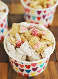 Cupid's Crunch - a cute Valentine's Day snack mix!