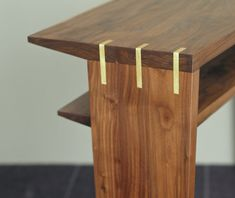 Wow, this is a simple yet beautiful method of joinery!