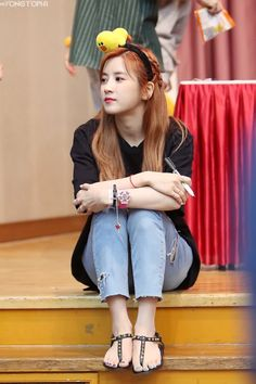 Apink - Chorong The cute leader Kpop Girl Groups, Korean Girl Groups, Kpop Girls, Kpop Fashion, Korean Fashion, Apink Album, Pink Panda, Girl Day, Love At First Sight