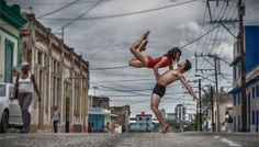 Photojournalist Captures Dramatic Portraits of Dancers in the Streets of Cuba For Gabriel Davalos, photography is about storytelling