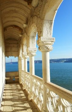 10 Things I Love Most About Portugal - by Julika Sarah | Photo: Torre de Belém