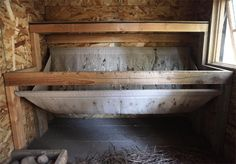 Brilliant Idea to keep a chicken coop clean, a hammock underneath the roost to collect all the droppings! Simple Chicken Coop Plans, Clean Chicken, Chicken Ideas, Mobile Chicken Coop, Portable Chicken Coop, Chicken Coops, Chicken Houses, Farm Chicken, City Chicken