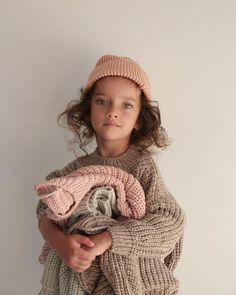 Organic and natural clothing for babies and children. Fashion Kids, Little Girl Fashion, Toddler Fashion, Toddler Outfits, Kids Outfits, Fashion Outfits, Diy Bebe, Kid Styles, Ribbed Sweater