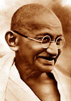 """Gandhi """"Sii il cambiamento che vuoi vedere nel mondo"""""""
