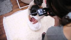 In this video Ana Brandt shows you a basic wrap for a newborn. www.theartofpregnancyandnewborn.net…