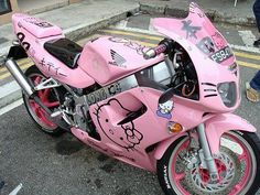"Me encanta esta ""Hello Kitty"" moto ! ""Hello Kitty"" motorbike, I love ittttt ! Hello Kitty Bike, Chat Hello Kitty, Hello Kitty Items, Hello Kitty Bathroom, Hello Kitty Makeup, Hello Kitty House, Hello Kitty Accessories, Car Accessories, Moto Rose"