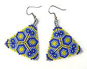 Colorful peyote triangle seed bead earrings in yellow, dark blue, grey and violet (sapphire) tones