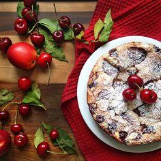 Cherry and nectarine clafoutis  - easy and rustic French dessert / Клафути с черешней и нектаринами