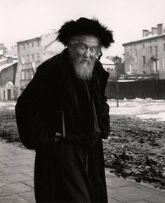 Roman Vishniac :: Hasidic man wearing a shtreimel (fur hat) on the Sabbath, Kazimierz, Krakow, Poland, ca. 1935-38 more [+] by R. Vishniac