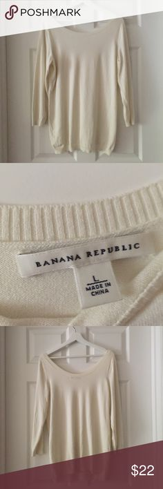 Banana Republic Wide Neck Long Sweater Banana Republic Wide Neck Long Sweater. In excellent used condition. This sweater is so pretty! Would look great with leggings Banana Republic Sweaters