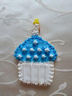 "3"" cupcake sugar cookie in Blue"