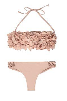 The first bath of the season, BEACH OUTFİTS, Swimsuits and bikinis to premiere the season. Swimwear Model, Bikini Models, Girly Girl, Estilo Lady Like, Ropa Interior Babydoll, Cute Bathing Suits, Cute Bikinis, Beach Wear, Bikini Workout