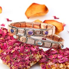 #nominationitaly #jewels #jewellery #fashion #moda #fashionblogger #blogger #bracelet Nomination Bracelet, Hand Accessories, Gem S, Hand Henna, Color Mixing, Bracelets, Necklaces, Autumn Fashion, Fashion Jewelry