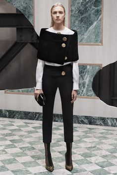 http://www.style.com/slideshows/fashion-shows/pre-fall-2015/balenciaga/collection/29