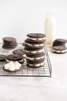 Black Cocoa Sugar Cookie Sandwiches with Cream Cheese Buttercream are the perfect 'grown-up oreo' treat! Soft, chewy black cocoa sugar cookies are paired with a smooth cream cheese frosting to make the perfect sugar cookie sandwich. Chocolate Sugar Cookies, Sugar Cookies Recipe, Cookie Recipes, Poppy Seed Cookies, Oreo Treats, Vanilla Bean Cakes, Cream Cheese Buttercream, Cookie Sandwiches, Dessert Bars