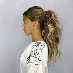 Ponytails are truly a girls best friend, but how do you transform an average pony to not your average ponytail?!It is actually the easiest hairstyle I have taught yet. We all want that long luscious ponytail, but how can that be achieved withoutlong, thick hair? EASY! What youneed Ponytail/Elastic Texture Spray Teasing Brush Step By Step Start by working with your natural/or atousledlook. Rough up your hair by spraying Texture Spraydirectly into your hair. Tease around your ha...