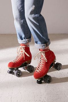 Shop Moxi Suede Roller Skates at Urban Outfitters today. We carry all the latest styles, colors and brands for you to choose from right here. Retro Roller Skates, Roller Skate Shoes, Roller Skating, Roller Derby Skates, Art Surf, Mode Converse, E Skate, Skater Girls, Aesthetic Vintage