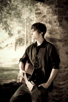 senior pictures with guitars   Wilkinson Art and Photography