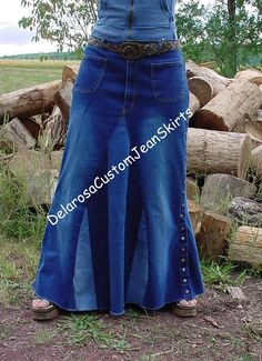 This Listing is to custom order to your size, a Beautiful Classic Striped Skirt. Long Jean skirt with multi colored denims, your choice of jean hearts/flowers appliqués or plain.(up to 3 appliqués) there will be added cost of $2.each if you would like more then 3 appliqués on your skirt. these skirts in the photos are some that I have made (examples only) but can recreate most without a problem! :)  send a message along with the payment size/length and choice of jean color and style...