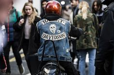 The Fall 2017 season kicks off in London this month, and with it the street style watch begins again in earnest. During London Fashion Week Men's, a clutch of well-heeled ladies and gents are swaddling themselves in color-blocked outerwear and fur to protect against the harsh British elements, because style doesn't go on hiatus even when the temperatures plummet to sub-zero. Take a cue on how to do winter layers right from the cool kids of the London fashion scene, here.