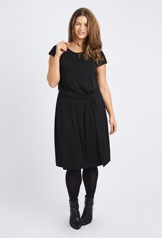 Anna Scholz Plus Size Crepe jersey midi knot dress