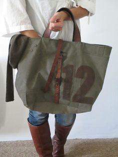 Image of Sac cabas numéroté {SNC- Leather Handbags, Leather Bag, Diy Bags Purses, Jute Bags, Boho Bags, Vintage Bags, Pouch Bag, My Bags, Bag Accessories