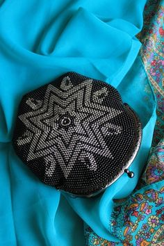 Галерея сумочек\чехлов для мобильных телефонов   biser.info - всё о бисере и бисерном творчестве