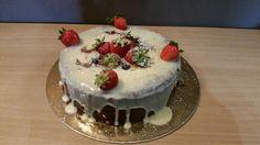 Sims Cake Shop: Bolo de aniversário de chocolate com semifrio de m...