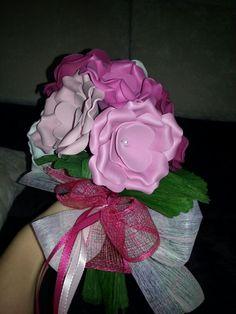 Un ramo de flores ideal para regalar a las mejores amigas de la novia #flores #flowers #gomaeva #ramodenovia #diy #diaB #wedding #novias #ramodenovia #bodas