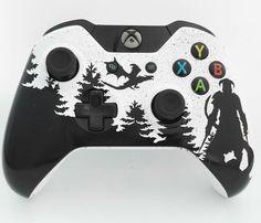 UndeadGamingUK   The Elder Scrolls Skyrim Custom Made Black + White Xbox One Controller
