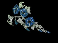 Michele Della Valle, produit Brooche white gold, blue sapphires, white diamonds. @lesfacettesgeneva