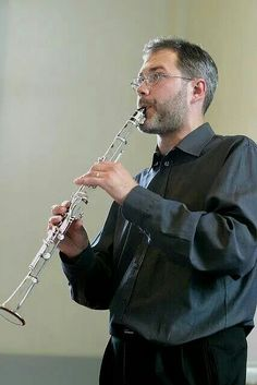 This is soo cool! A glass clarinet, who would have thought?