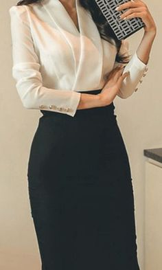 25 Amazing Professional Look for Super Women - corporate attire women Business Professional Outfits, Professional Dresses, Professional Look, Business Casual Outfits, Business Dresses, Classy Outfits, Women Business Attire, Business Formal Women, Business Chic