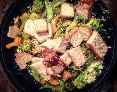 Healthy Asian Pork and Caulflower Rice Bowl #paleo #glutenfree #cleaneating