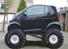 Smart Car off road edition - what in the Name of Carl Benz were those fellas thinking? Smart Auto, Weird Cars, Cool Cars, Smart Car Body Kits, Carl Benz, Tata Motors, 4x4, Lifted Cars, Smart Fortwo