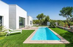 Gracefully surrounded by nature 🌿 . #villa #swimmigpool #lascolinas #golf #golfhomes #golfestate #views #onefloor #⛳️ #golfproperty #nature #green #luxuryhomes #spain #costablanca #orihuela #alicante #valencia #realestate #realtor - posted by Keely_vd https://www.instagram.com/keelyvndrn - See more Luxury Real Estate photos from Local Realtors at https://LocalRealtors.com/stream