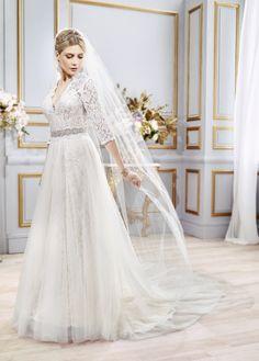 Style Spotlight: AMARIS | CONVERTIBLE WEDDING DRESS