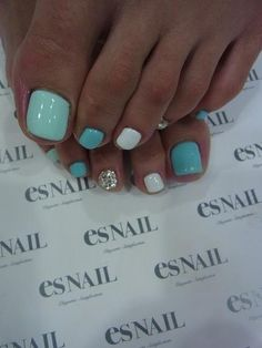 Rock Those Sandals with One of These Jaw Dropping Toe Nail Art Designs .-- Rock Those Sandals with One of These Jaw Dropping Toe Nail Art Designs . Love Nails, How To Do Nails, Pretty Nails, Fun Nails, Pretty Toes, Teal Nails, Turquoise Toe Nails, Beach Toe Nails, Bling Nails